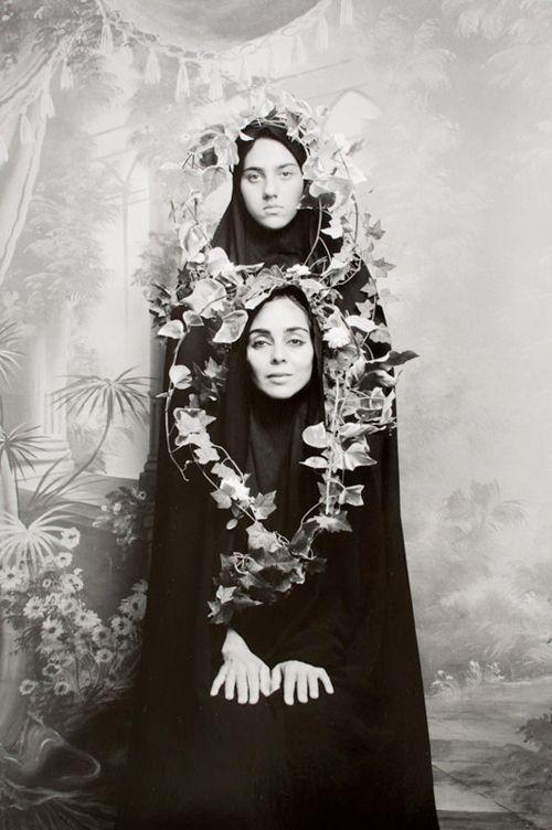 """""""Woman of Allah"""" von Shirin Neshat   HappyPhoton.de   Online Magazin für zeitgenössische Fotografie"""
