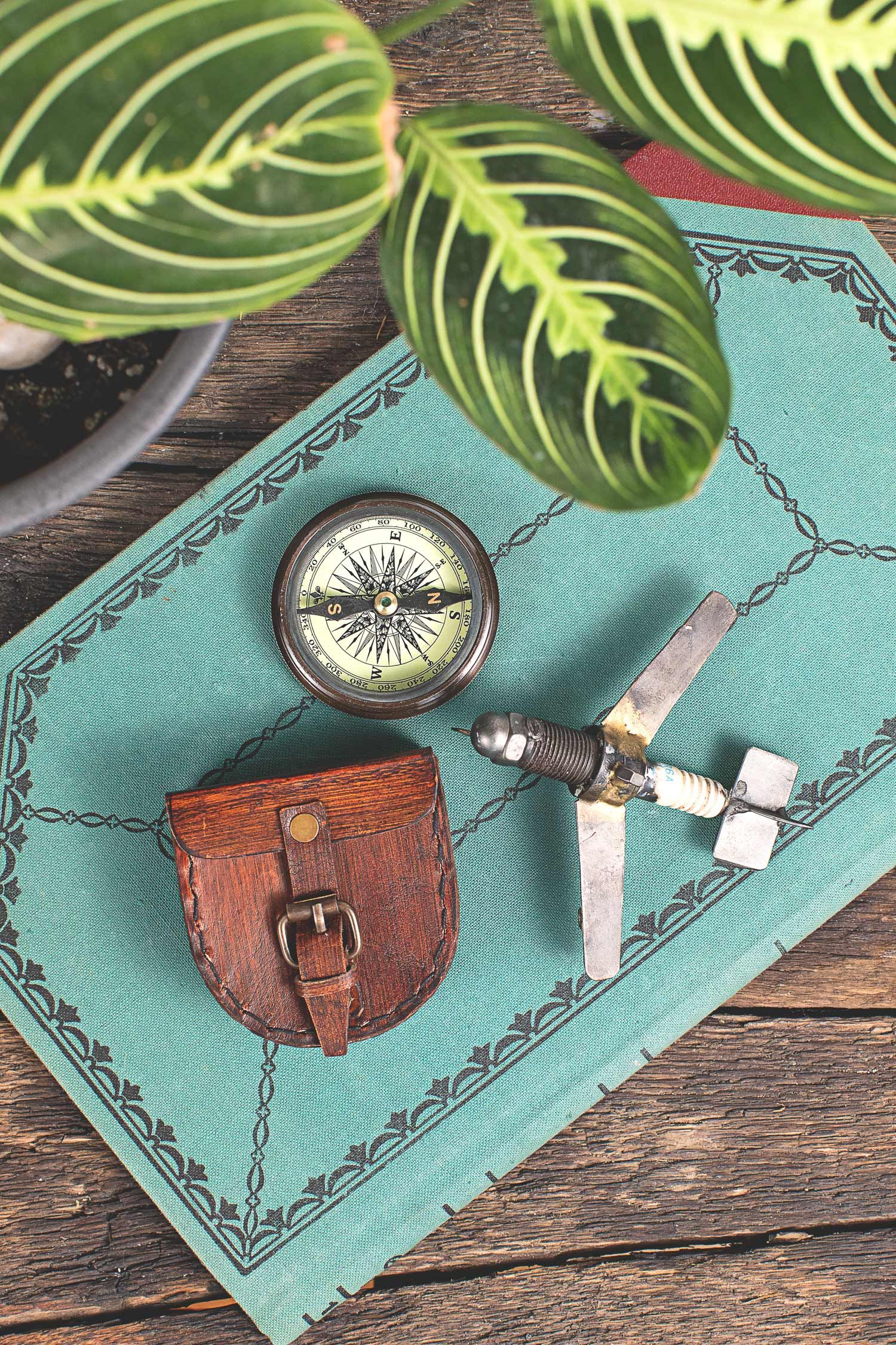fair trade gifts for dad // Father\'s Day gifts // Wanderer\'s Compass ...