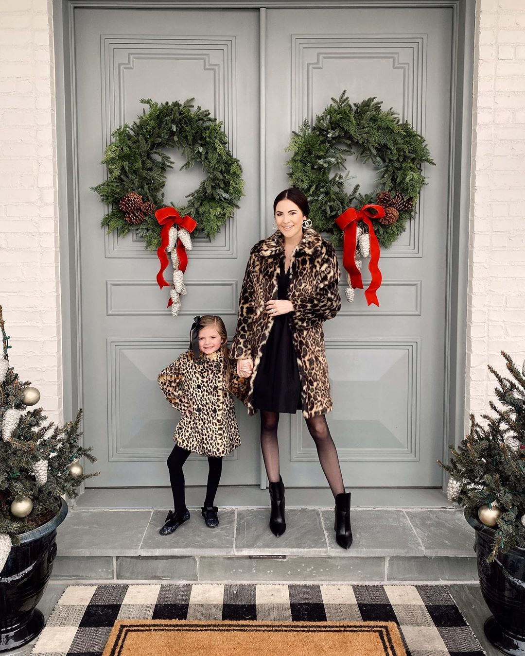 "Rach Parcell (Pink Peonies) on Instagram: ""Today's Sunday best, twinning in our leopard coats!! I've linked our outfits in my stories. 🐆🖤 #myrpdress #leopard #mommyandme #sundaybest"""