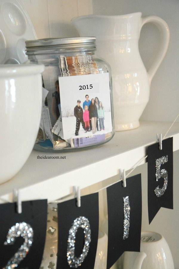 New Year's Eve Time Capsule & Printables - The Idea Room                @jacquiemw @jcwilloughby thought this might be a cute idea when you have kids!