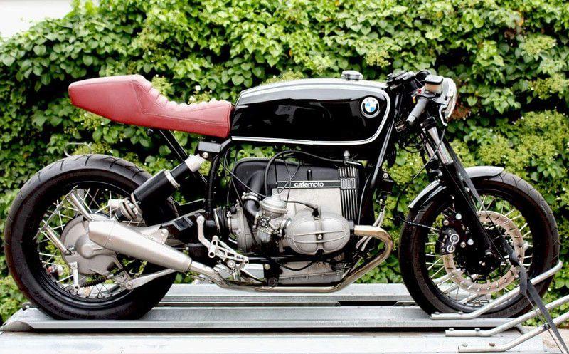 Bench Racing The Morning Reads Street Motorcycles Racing Suzuki
