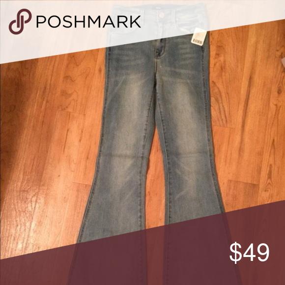 BDG Morrison Flare NEW New BDG Morrison Flare jean! Size 25 BDG Jeans Flare & Wide Leg