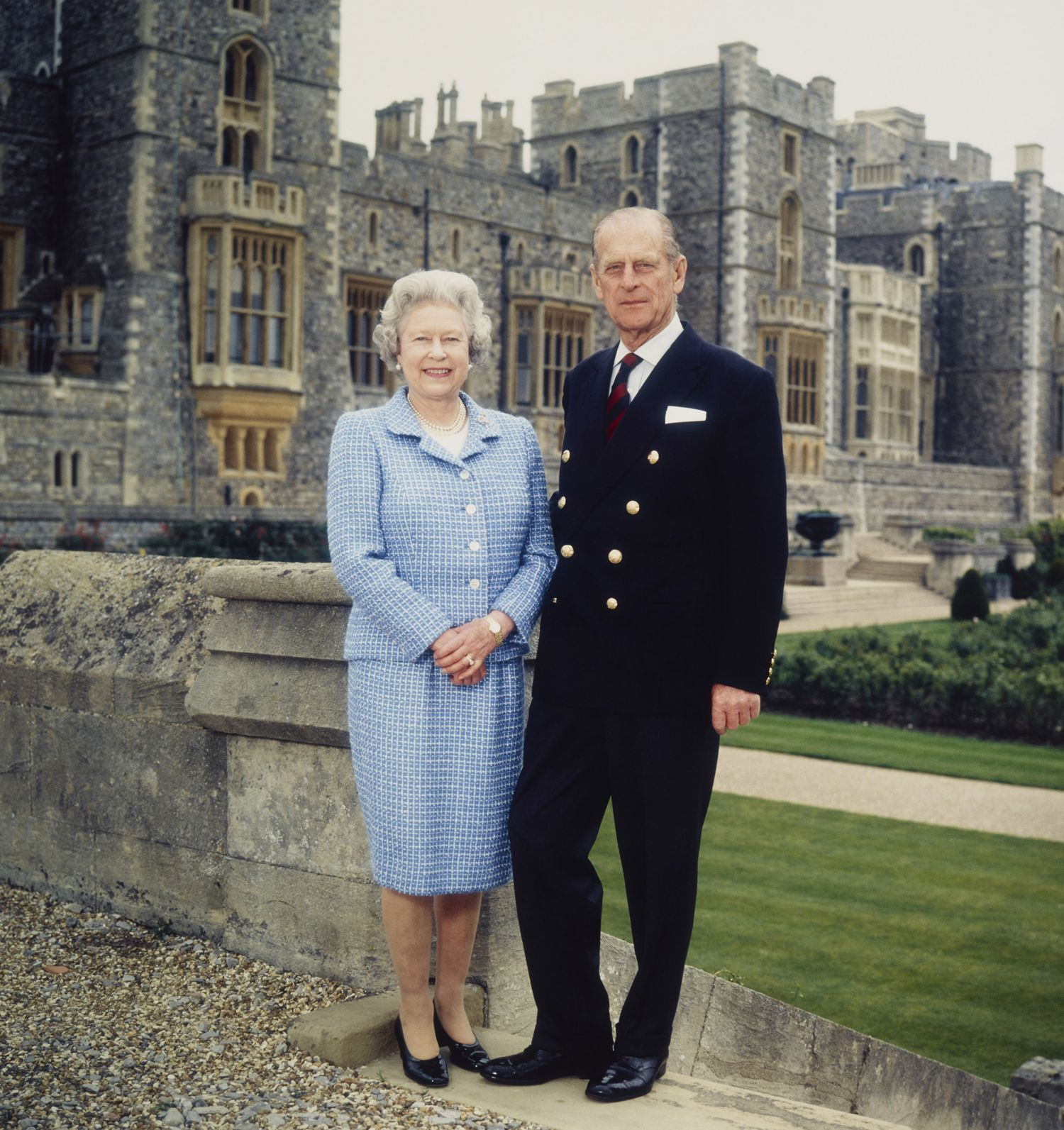 Queen Elizabeth Opens Some Of Windsor Castle S Most Private Areas For First Time In Decades Her Majesty The Queen Queen Elizabeth Elizabeth Ii