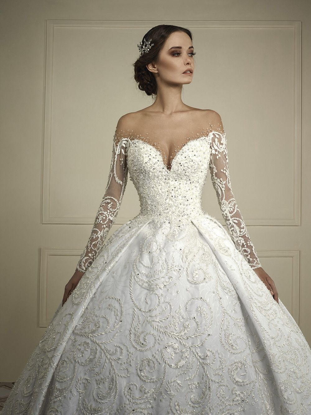 Cdress Lace Appliques V-Neck Wedding Dresses Beads Crystal Bow Sashes Bridal Gowns