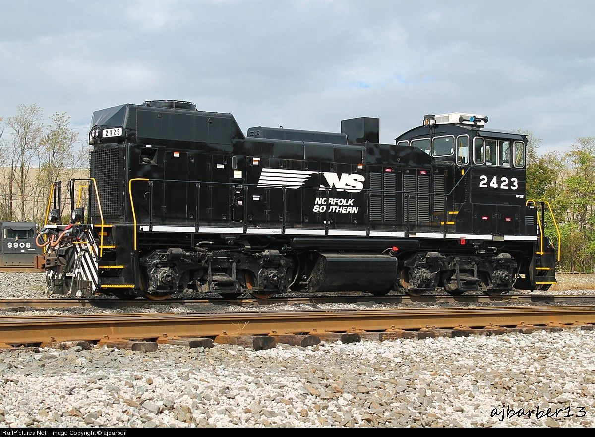Net Photo: NS 2423 Norfolk Southern EMD MP15E at Altoona, Pennsylvania by  ajbarber