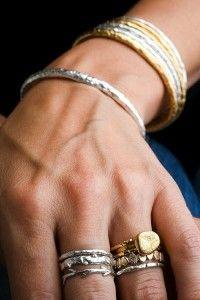 capital Promesa Prohibición  Última tendencia de combinar joyas de plata y oro - Tendencias en Joyería    Tendencias en joyería, Joyas, Brazalete de plata
