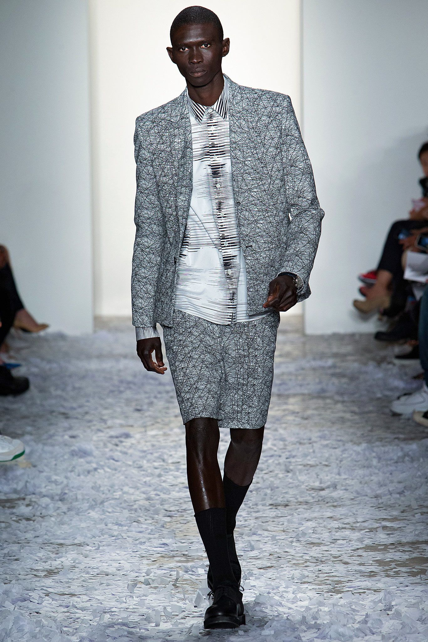 b8d05a3d7 Public School Spring 2015 Ready-to-Wear - Collection - Look 38   mens print  suit