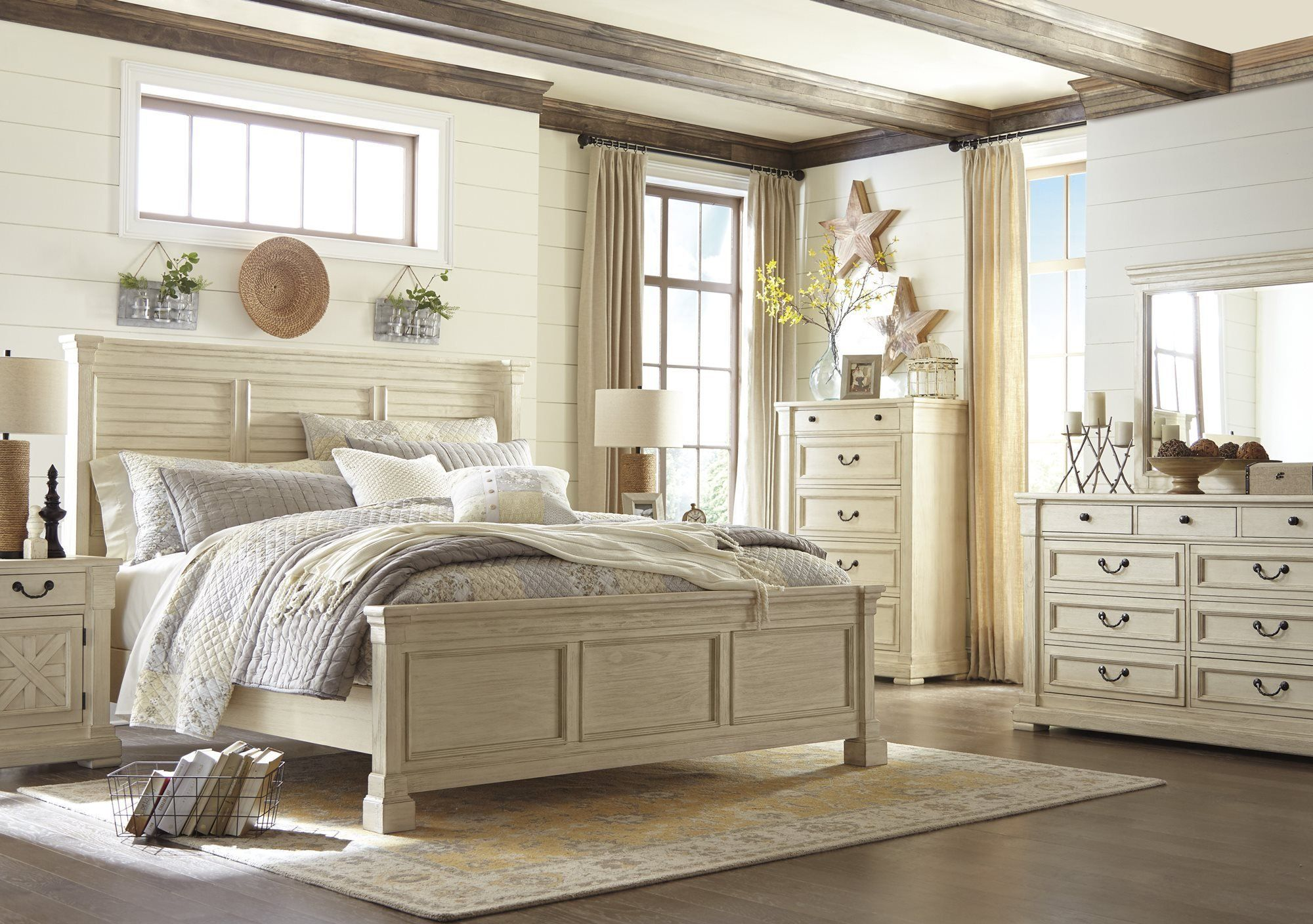 Best Ashley Bolanburg 5Pc Bedroom Set Cal King Louvered Bed 640 x 480