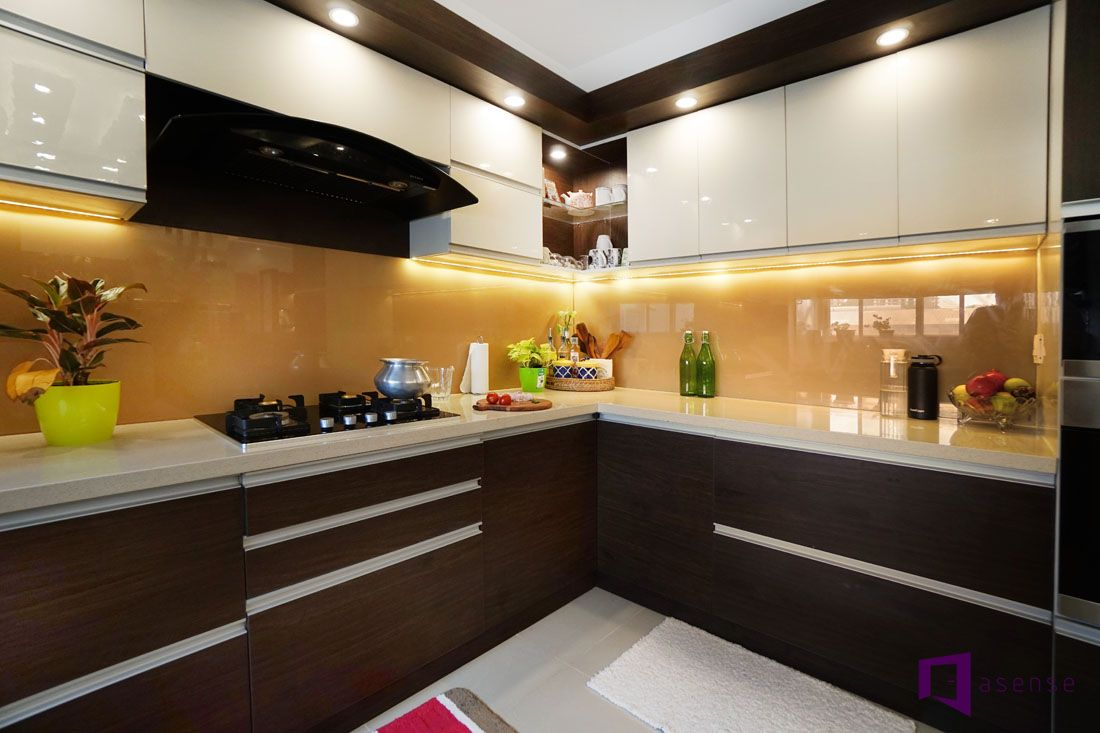 Modular Kitchen With Lacquer Glass Kitchen Interior Design Decor Kitchen Design New Kitchen Interior