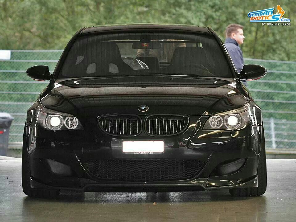 BMW E60 M5 black front stance