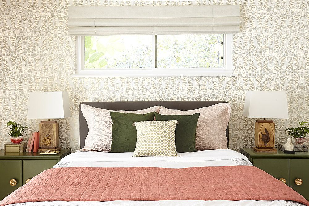 How To Dress Your Most Awkward Windows Master Bedroom Wall Decor Bedroom Makeover Bedroom Wall Decor Above Bed Great cure for windowless room