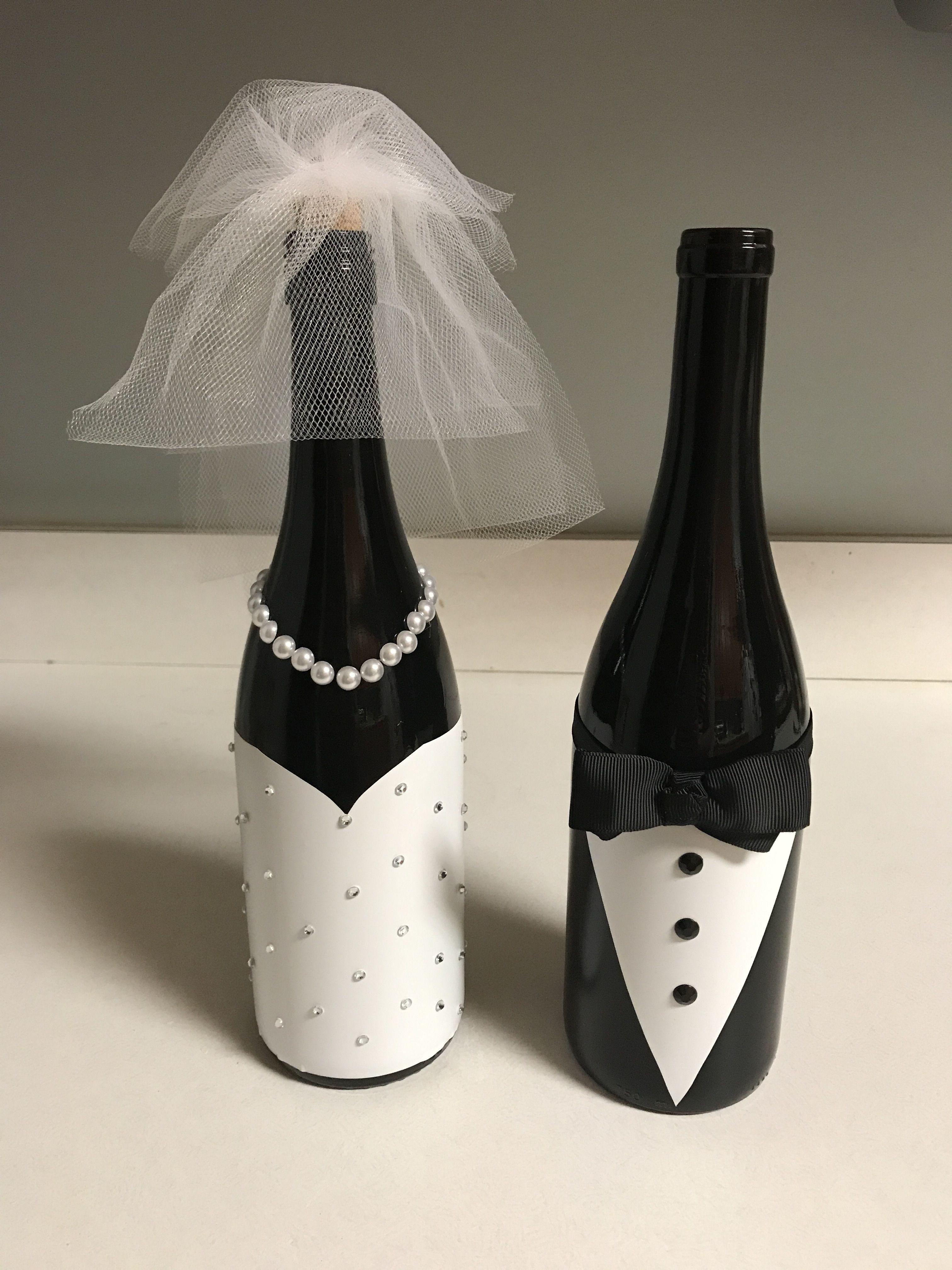 Idea By Julie Orozco On Glass Bottle Decor Wedding Bottles