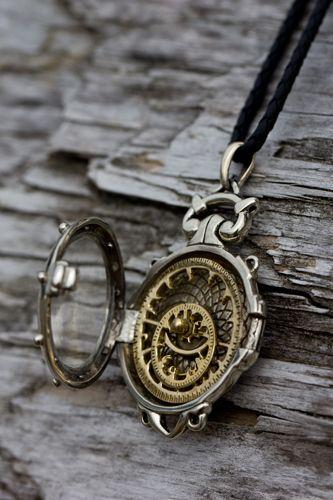 Soleone compass