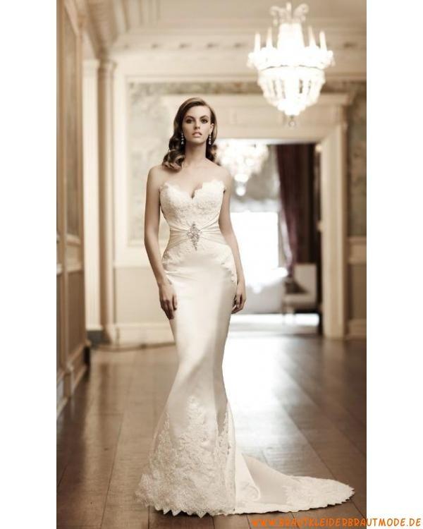 Traumhafte schöne Brautmode für Prinzessin aus Spitze Herzausschnitt