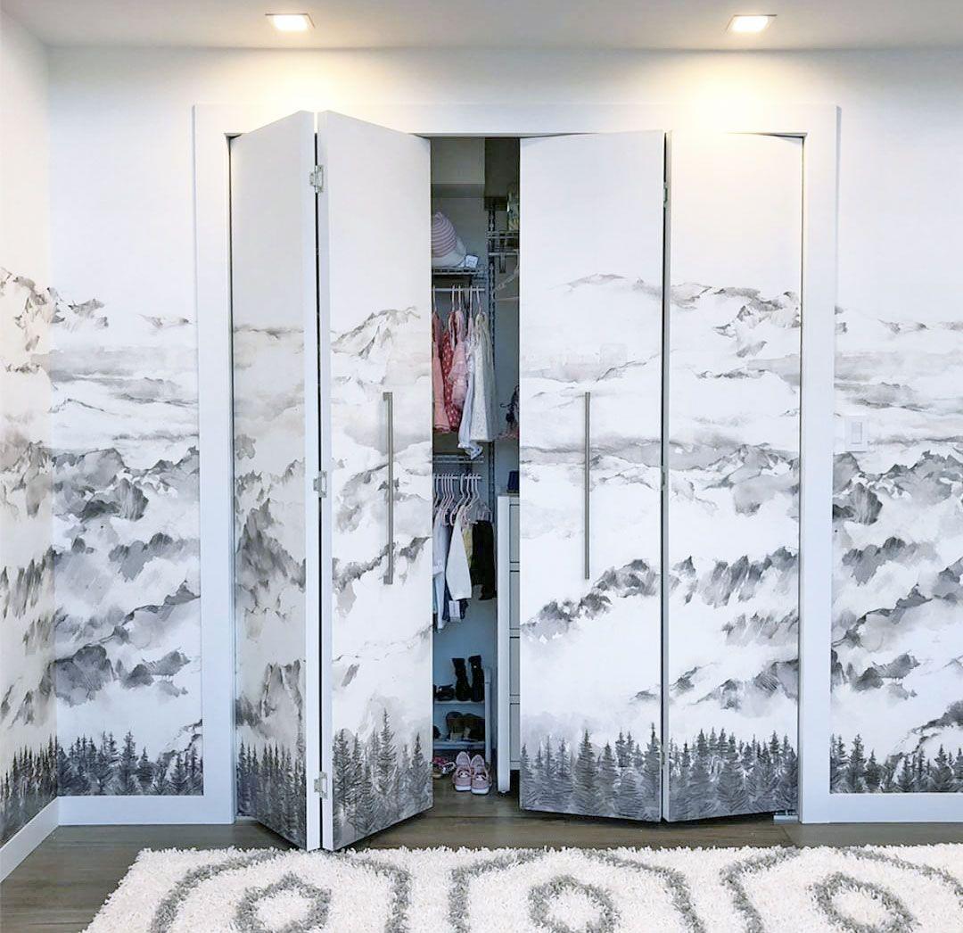Tapisser Porte De Placard hope mountains en 2020 | peindre porte placard, papier peint