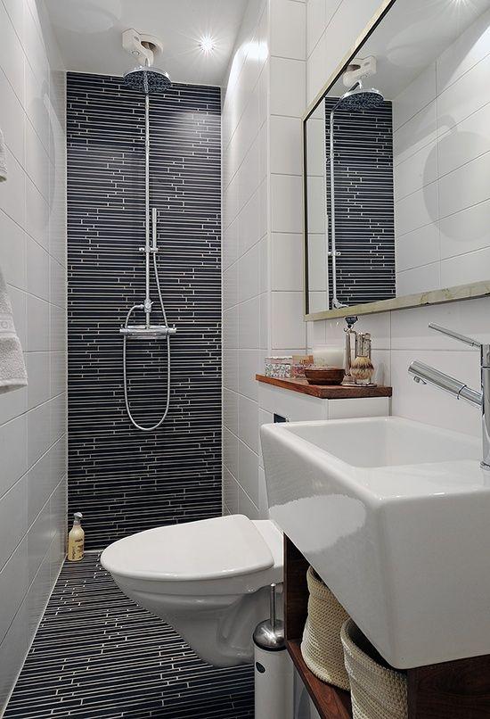 décoration petite salle de bain en longueur | SMALL SURFACES ...