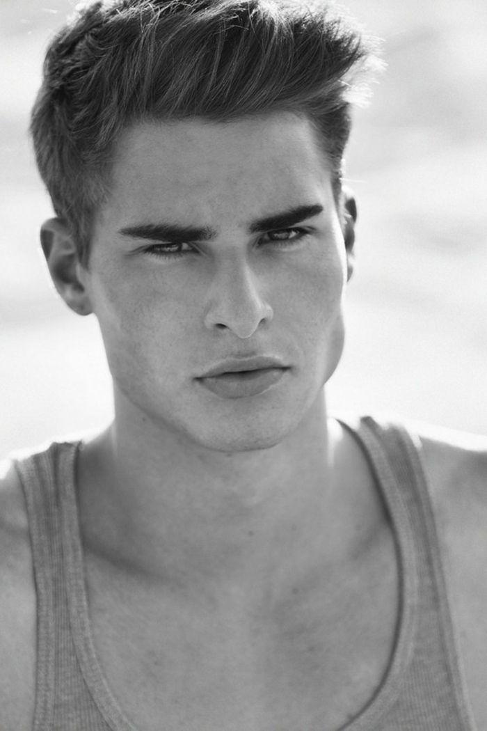 Corte de pelo masculino con flequillo
