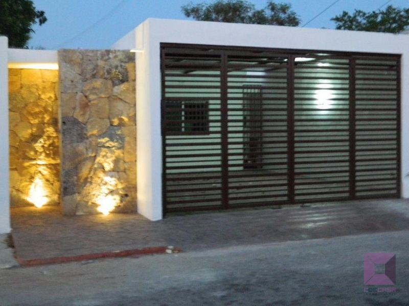 Best 25 rejas para frentes ideas on pinterest frentes for Casas modernas con puertas antiguas
