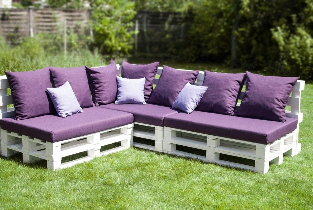 FURNITURE ACCESSORIES White Pallet Wrap Patio Furnitures Foam Block With Purple Fabric And Pillows