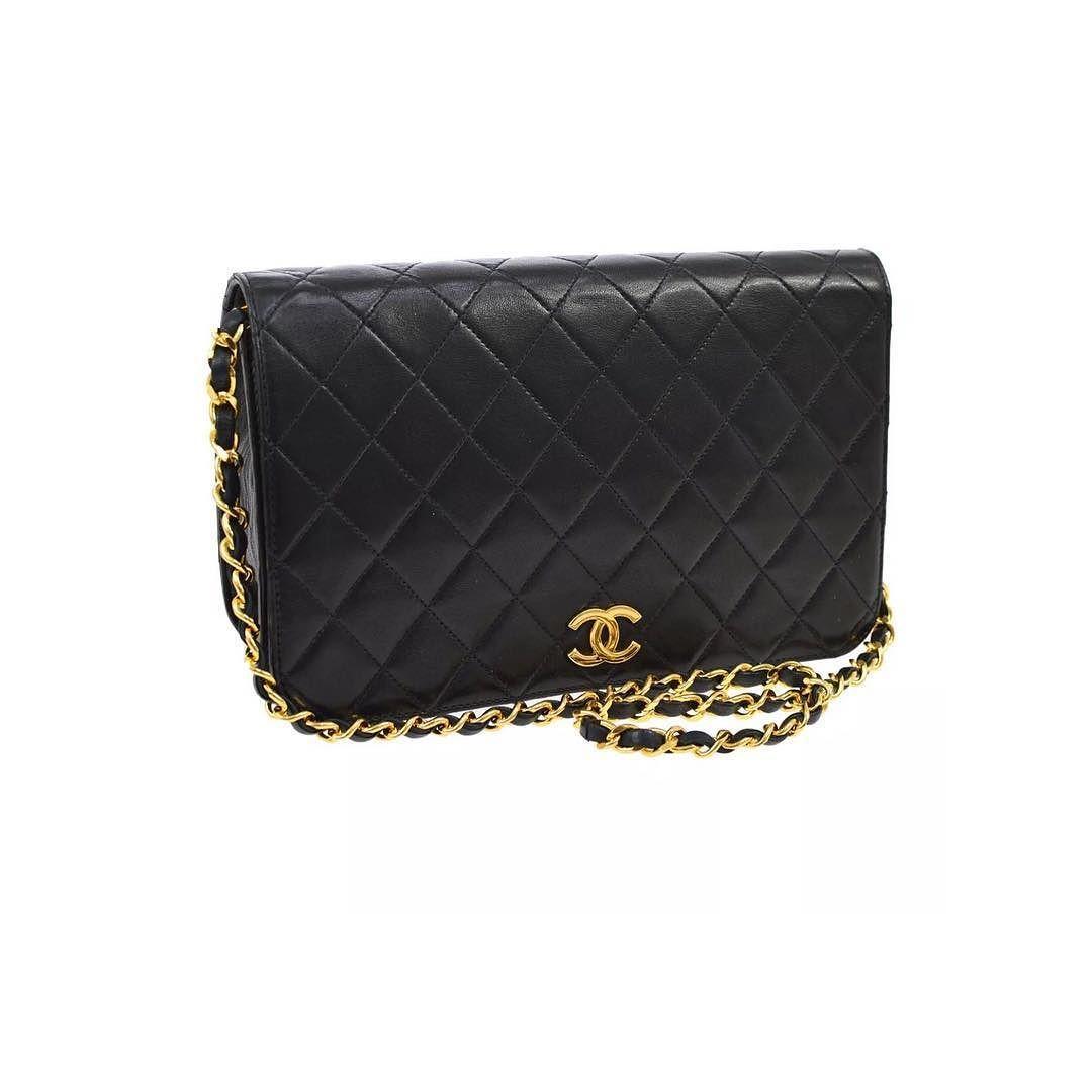 ba00b41ba78c Chanel single flap chain shoulder bag excellent vintage condition measures 9  x 6 x 2.5