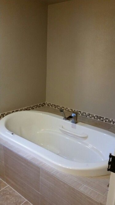 I tote out a closet to give us enough room for this awesome tub, d.i.y!