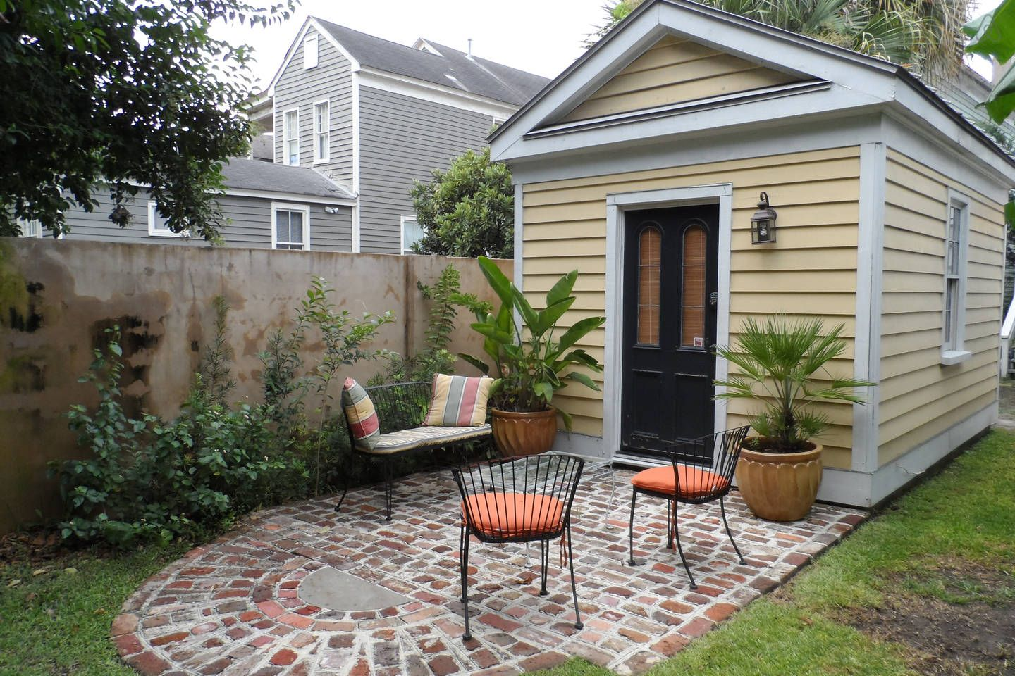 75d Cannonborough Cottage Vacation Rental In