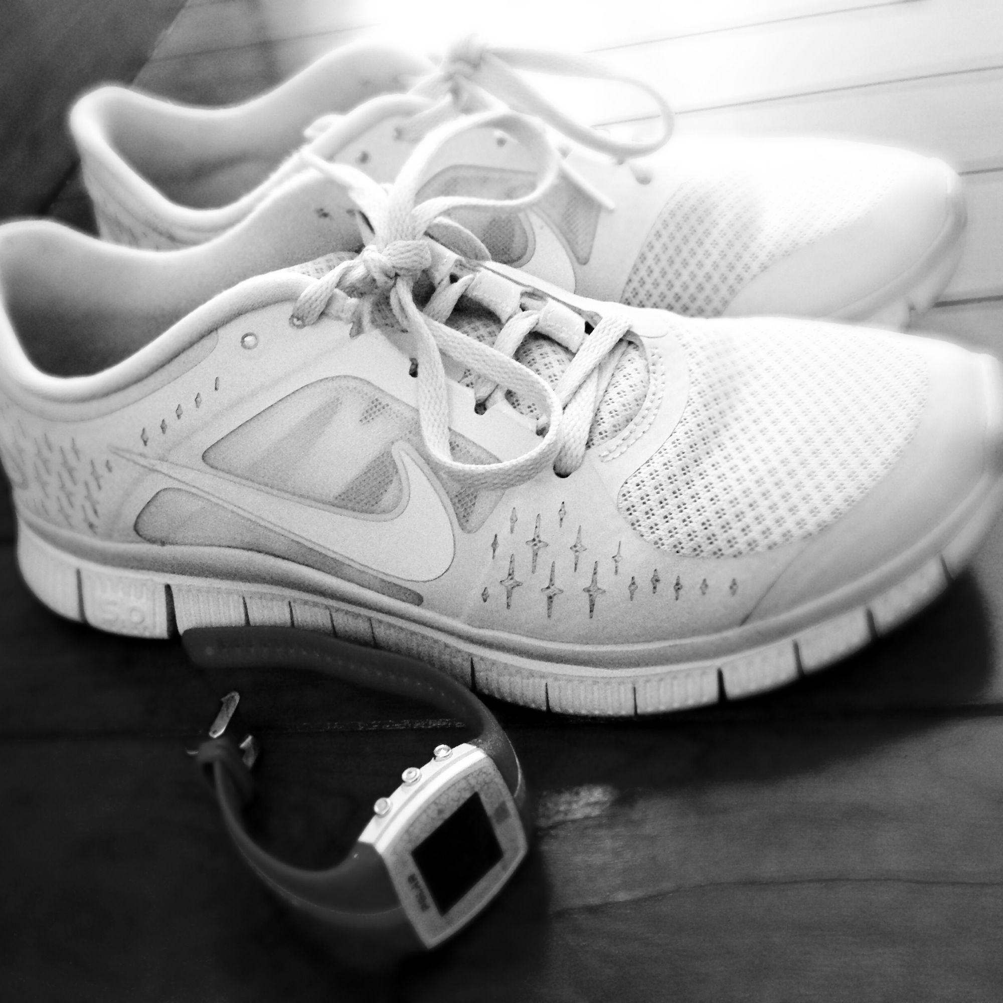 a7b0452ccf10 running shoes