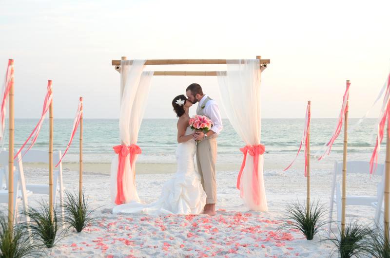 Bodas de color coral, ¡romántico y especial!