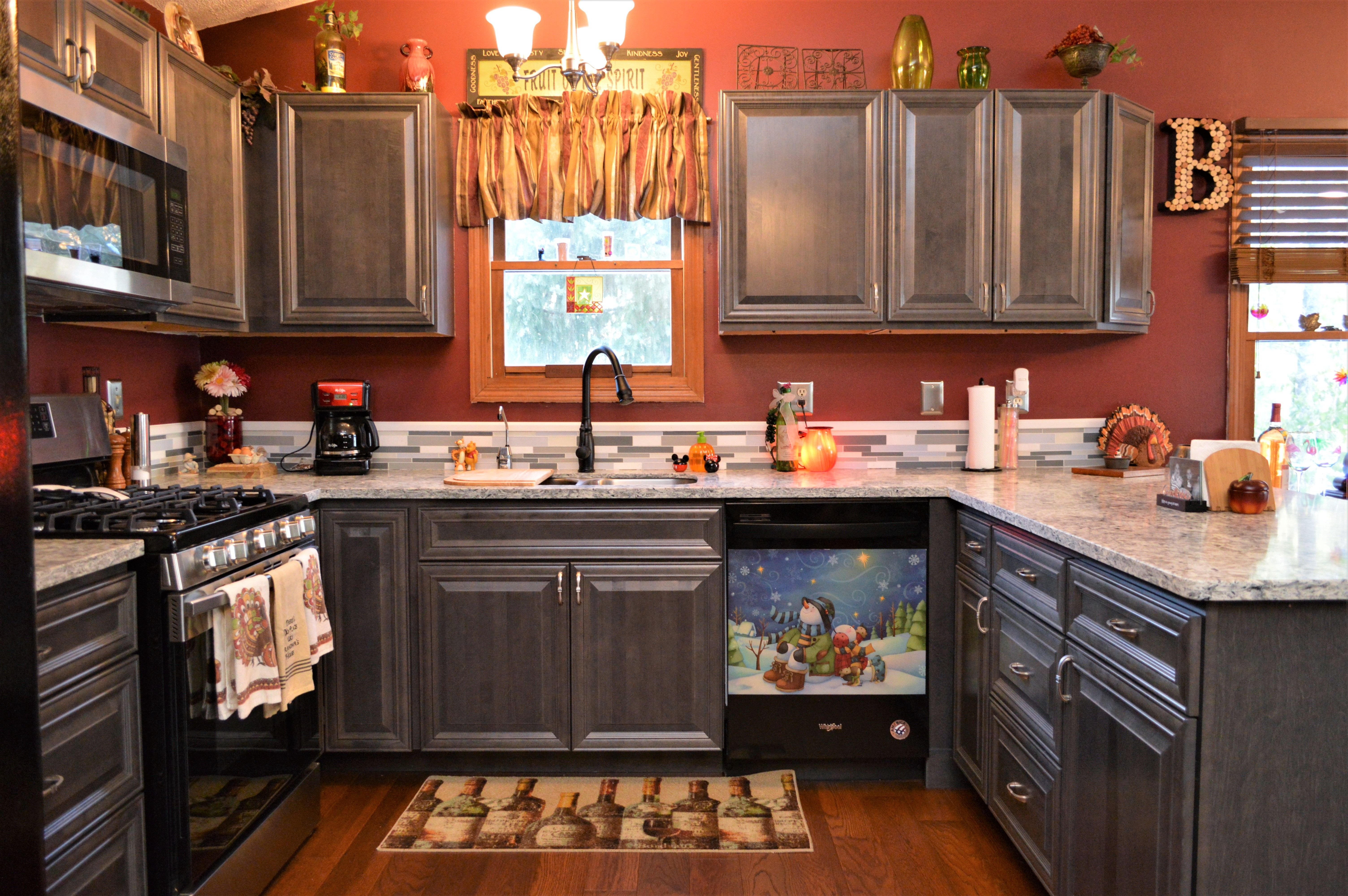 Bailey S Cabinets Baileytown Usa Select Maple Slate Finish Williamsburg Door Style Cabinet Cabinetry Kitchen