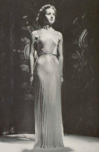 Abiti Eleganti Anni 30.Pleated White Satin Nina Ricci 1937 Vintage Fashion Designer