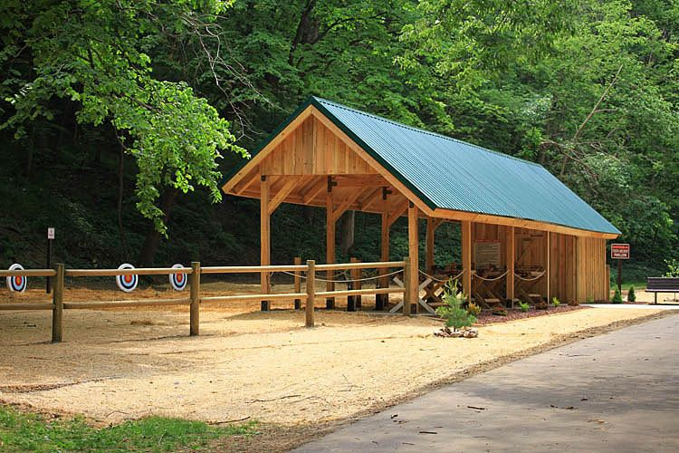 Barn homes cabins garages commercial projects garden for Pole barn cabin kits