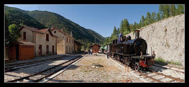 Thorame-Haute, Alpes-de-Haute-Provence.