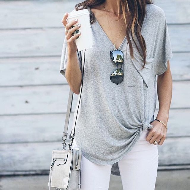 3e11e53861 Top   Best outfits to wear with Oversized T-Shirts