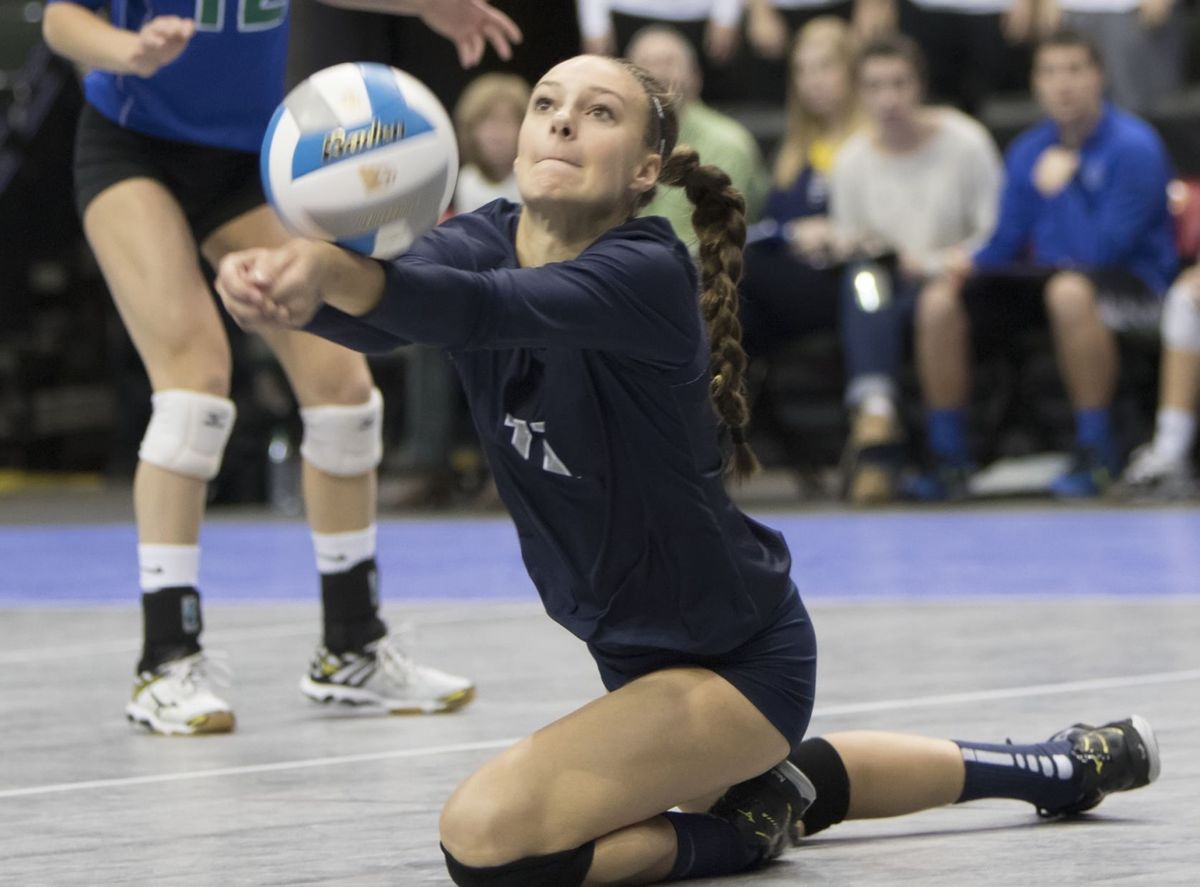 Izzy Ashburn Uw Volleyball Badgers Volleyball Minnesota Prep Izzy Ashburn Commits To Wisconsin Fo Volleyball Workouts Badger Volleyball Volleyball Inspiration