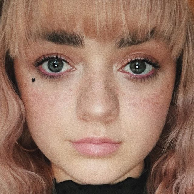 Maisie Williams Makeup Model And Photo (With Images