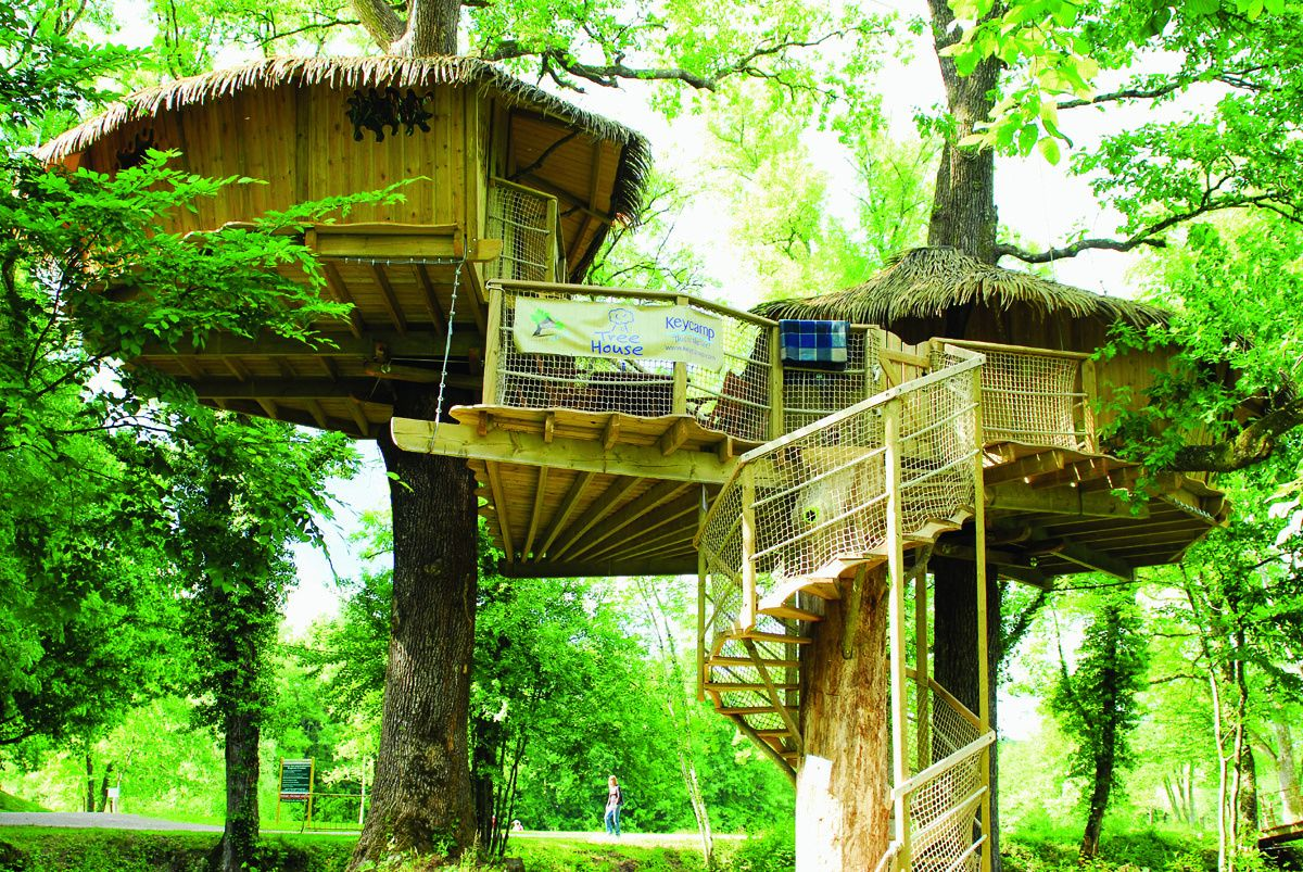I LOVE treehouses. One day, I will live in one (wouldn't it be the coolest place to retire?)