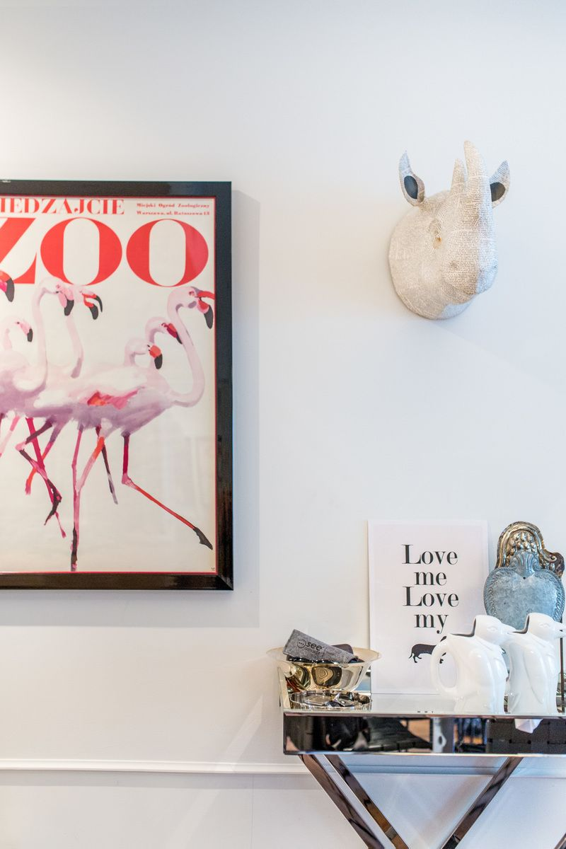 Home Crush: A Grown-up Home Full of Posters | Vintage posters ...