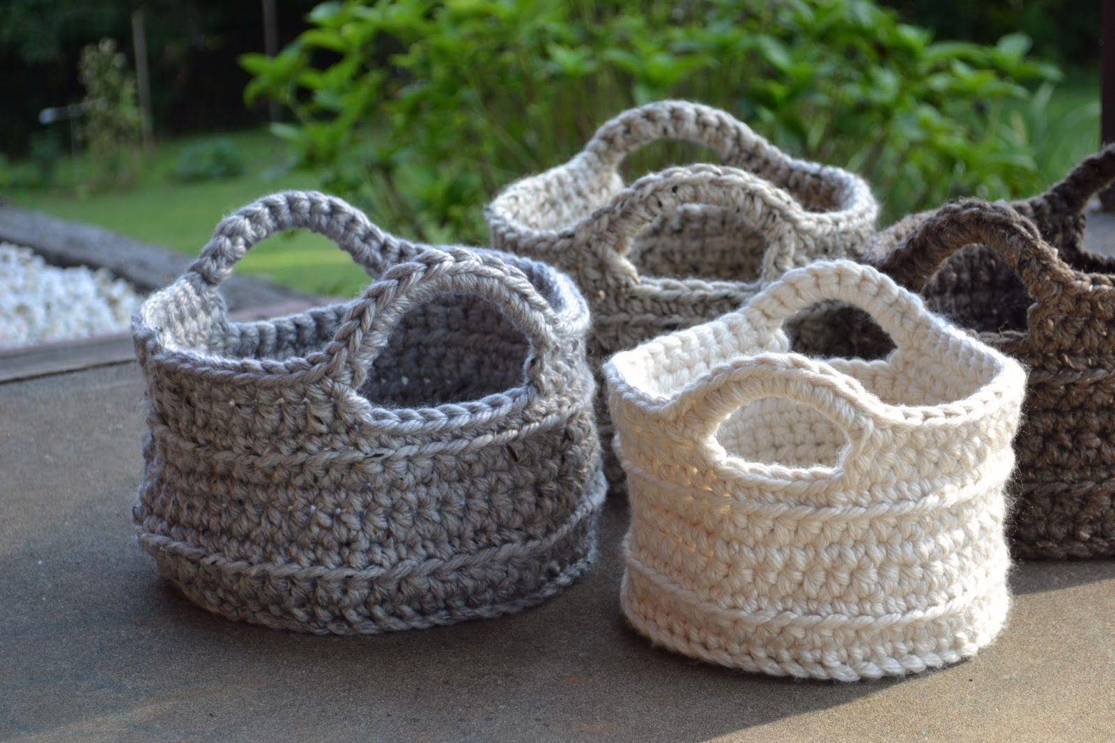 I have made three more this week... I'm burn out         A few crocheters have asked me if it would make a big difference if they used an M...