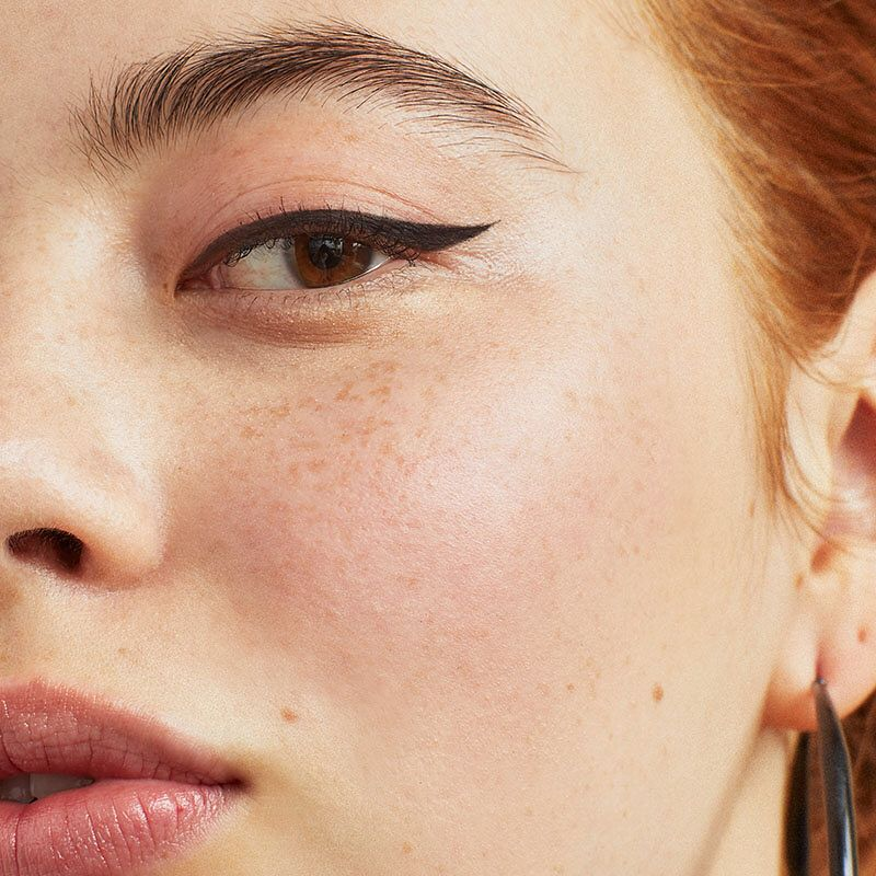 Every Makeup Lover Needs A Waterproof Smudge Proof Eyeliner In Their Summer Bea Smudge Proof Eyeliner Best Smudge Proof Eyeliner Smudged Eyeliner