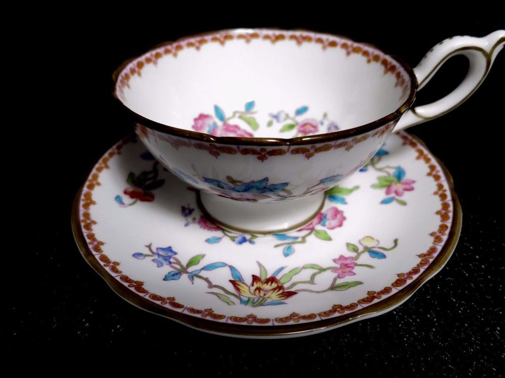Coalport Set of 2 PEMBROKE Teacups & Saucers Vtg Bone China Porcelain Flowers #Coalport