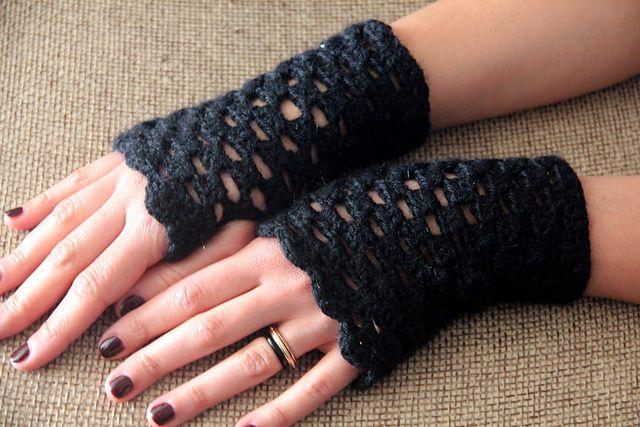 Ravelry: Noiseofground's Crochet Openwork Handwarmers - thanks so for the share xox