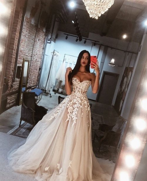 Vestiti Da Sposa We Heart It.Imagefind Images And Videos About Love Fashion And Pretty On We