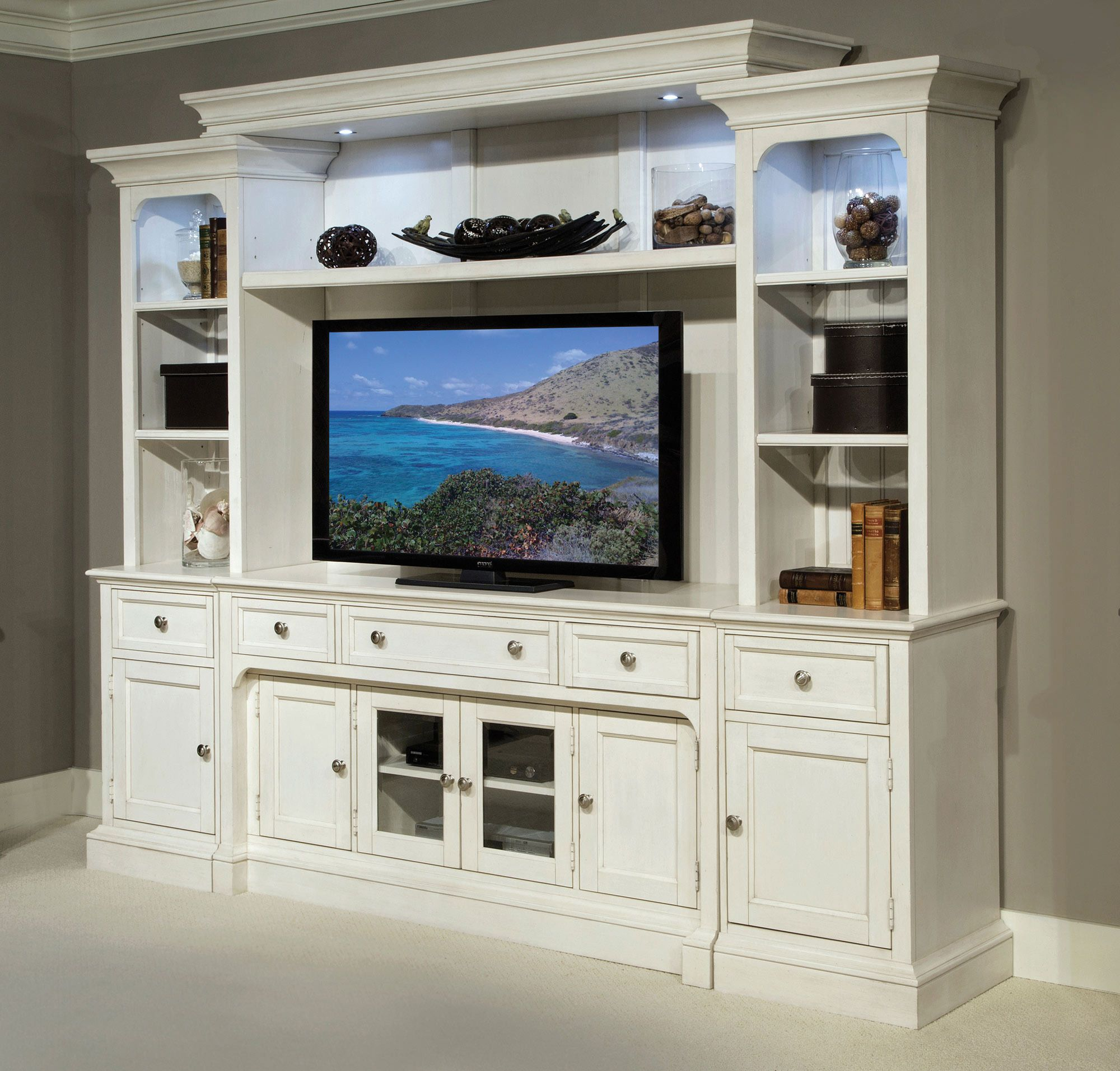 Laurel Garden Entertainment Wall by Magnussen