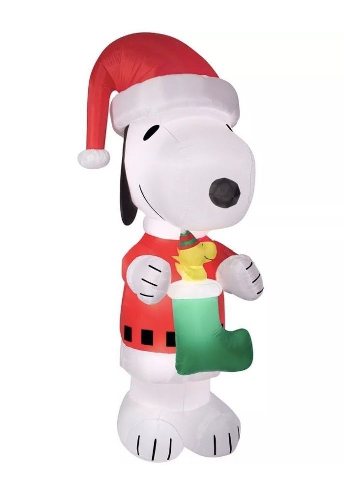 10 FT TALL DISNEY SNOOPY PEANUTS LIGHTED INFLATABLE CHRISTMAS