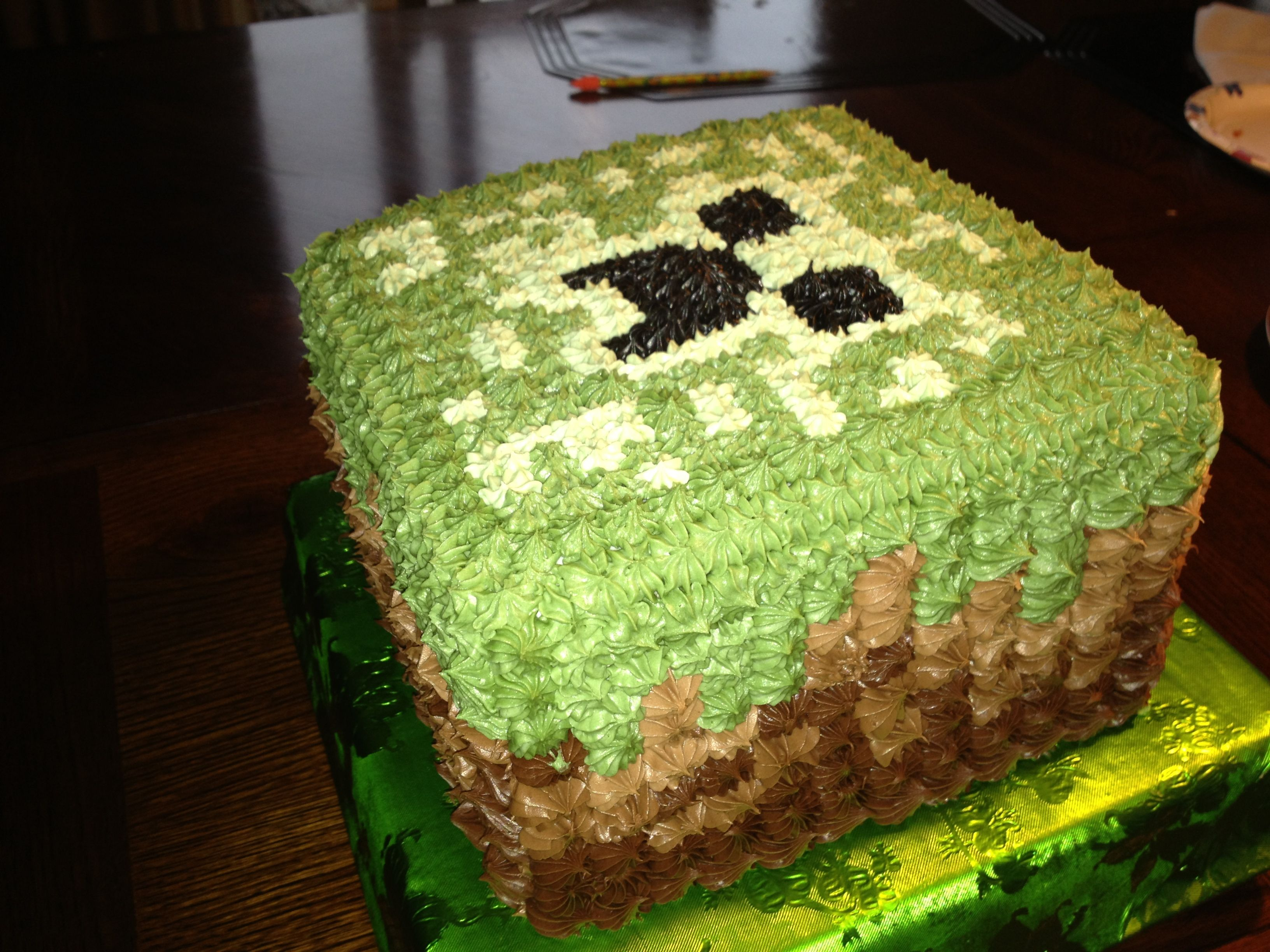 Quick Easy Minecraft Pixel Cube Cake Using Icing Instead Of
