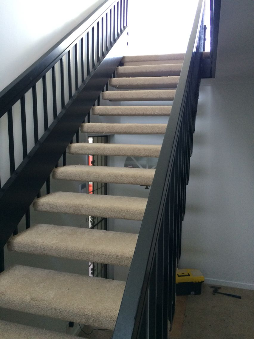 Best Carpet Floating Stairs Floating Stairs Stairs 400 x 300