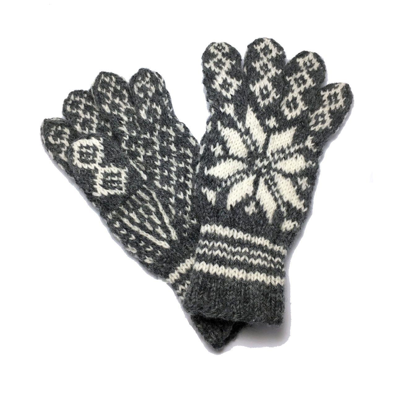 Knitted Camouflage Gloves Men Wool Gloves Hunter Green Etsy In 2020 Wool Gloves Knitted Fingerless