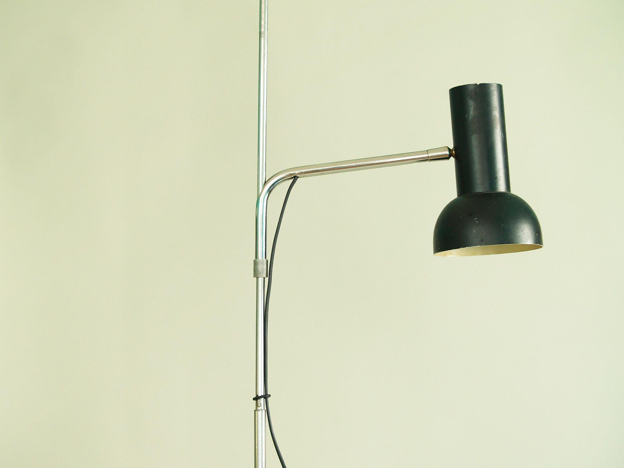 Lampadaire réglable / liseuse moderniste, France (vers 1960)..Modernist floor lamp, France (circa 1960)