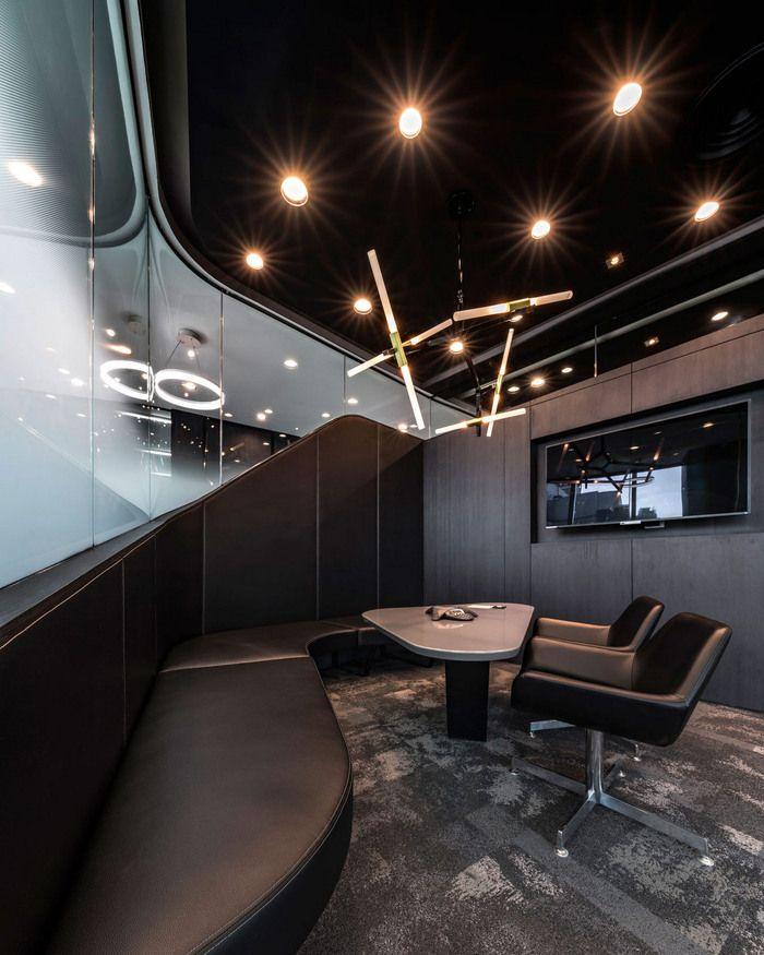 Office Tour: Mercedes-Benz Thailand Headquarters