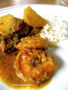 Aloo Potol diye Chingri Macher Jhol or Shrimp curry